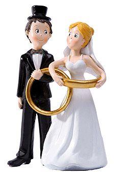 figurine mariage moderne lenlacement des maris avec leurs superbes alliances dores fera fondre - Figurine Mariage Humoristique