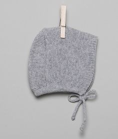 Capota bb gris claro- Nicoli Knitting For Kids, Baby Knitting, Little Girl Fashion, Kids Fashion, Baby Love, Knitted Hats, Knit Crochet, Little Girls, Crochet Patterns