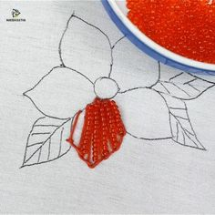Hand embroidery flower design with pearl - sticken - Hand Embroidery Flower Designs, Basic Embroidery Stitches, Hand Embroidery Videos, Bead Embroidery Patterns, Embroidery Stitches Tutorial, Creative Embroidery, Learn Embroidery, Embroidery Kits, Ribbon Embroidery