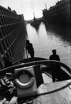 Alexander Rodchenko - Ships in the Lock