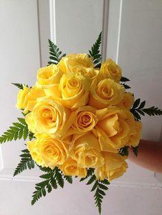 CBR134 Riviera Maya weddings / Bodas Yellow bridesmaid bouquet / ramo para madrina de rosas amarillas