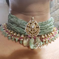 Indian Jewelry Sets, Indian Wedding Jewelry, Bridal Jewelry, Beaded Jewelry, Pearl Necklace Designs, Gold Earrings Designs, Fancy Jewellery, Fashion Jewelry, Choker Necklaces
