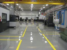 Đội thi công sơn sàn epoxy nhà xưởng hai thành phần. Thi công epoxy chính xác tạo niềm tin cho nhà xưởng. Thi công chất lượng cao giá rẻ.