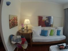 Very nice spacious appartment, very clean and nice decorated, beautiful garden with a pool, well appointed kitchen, large roof-deck with a great view over the village and extremely welcoming and helpful hosts. We had peaceful and relaxing holidays with our baby. Thank you Calergi Residence!