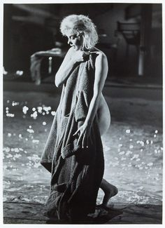 Lawrence Schiller Marilyn Monroe, Something's Got To Give, May 1962 Vintage gelatin silver, printed ca. Arte Marilyn Monroe, Marilyn Monroe Poster, Marilyn Monroe Portrait, Vintage Hollywood, Classic Hollywood, Meg Ryan, Sophie Marceau, Actrices Hollywood, Romy Schneider