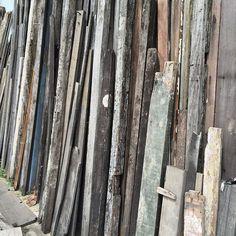 aumentando o acervo de madeiras de demolição [peroba de campos] : growing our heap of reclaimed wood [peroba de campos]