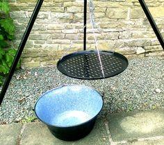 Set of 3; 160cm tripod, 20lt Kotlich and 46cm grill