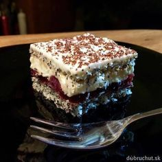 Kedy ak nie na Veľkú noc: Zákusky s troškou likéru - Magazín Czech Recipes, Russian Recipes, Eastern European Recipes, Polish Recipes, Sweet And Salty, Something Sweet, Cakes And More, A Table, Sweet Recipes