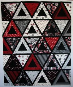 Here is the finished Chopsticks quilt top – It is 48 x 60 The plan is to quilt this with designs from Angela Walters' book Free-Motion Quilting. Geometric Quilt, Hexagon Quilt, Triangles, Quilting Projects, Quilting Designs, Quilting Patterns, Man Cave Quilts, Modern Quilt Patterns, Patchwork Quilting