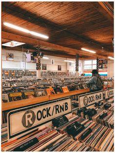 Music Aesthetic, Aesthetic Collage, Aesthetic Vintage, Aesthetic Photo, Aesthetic Pictures, Vinyl Music, Vinyl Records, Vintage Records, Photo Wall Collage