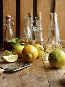 mandulasarok: Citromolaj Flavored Oils, Infused Oils, How To Make Homemade, Food To Make, A Food, Food And Drink, Lemon Oil, Lemon Recipes, Spice Mixes