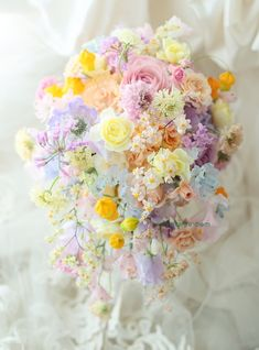 So colourful and very delicate. Beautiful Bouquet Of Flowers, Beautiful Flower Arrangements, Floral Arrangements, Beautiful Flowers, Romantic Wedding Colors, Wedding Flowers, Bride Bouquets, Floral Bouquets, Wedding Favours Luxury