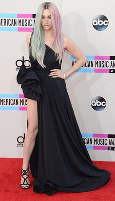 Ke$ha at the 2013 AMAs