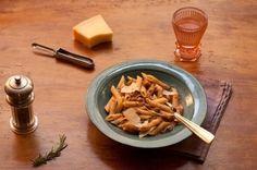 Pasta e fagioli Pasta E Fagioli, Chow Mein, Ladies Who Lunch, Nutrition Tips, Good Mood, Food Inspiration, Pasta Salad, Vegetarian Recipes, One Pot Dinners