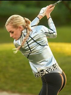 Increase Your Golf Skills. Practicing far better golf. Placing the ball in the right position for the next shot is of winning golf. Girls Golf, Ladies Golf, Women Golf, Sports Women, Women Nike, Golf Attire, Golf Outfit, Golf Sexy, Foto Glamour