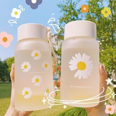 Bpa Free Water Bottles, Glass Water Bottle, Travel Water Bottle, Girly Things, Cool Things To Buy, Cute School Supplies, Japanese Snacks, Cute Kitchen, Bottle Design