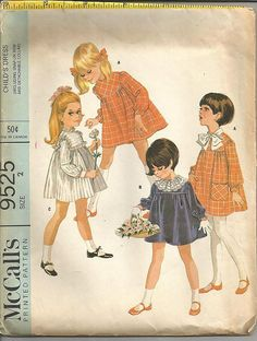 1960s Toddler's Dress Snap on Bow Detachable Collar by kinseysue