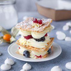 Napoléons à la crème et aux petits fruits
