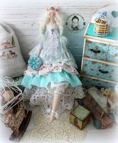 Muñeca hecha a mano, más alta que 50cm, decorar el interior de su hogar. El instrumento en el estilo de la Provenza, con amor, desde el corazón del centro de la muñeca. América de algodón, relleno hollofayber.