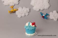 airplane cake smash setup