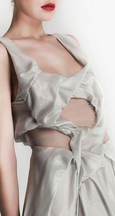 Yiqing Yin | ModeWalk Bold Fashion, New Fashion, Yiqing Yin, Deconstruction Fashion, Fashion Designers, Weaving, Design Inspiration, Detail, Clothes