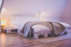 pallet bed diy | Pallet bed , zelf gemaakt #DIY