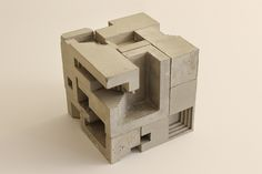 David Umemoto is both a sculpture and architecture's lover. This artiste from Montreal decided to mix his two passions by creating small modular concrete Maquette Architecture, Architecture Design, Concept Architecture, Sculpture Ornementale, Concrete Sculpture, Abstract Sculpture, Beton Design, Concrete Design, Concrete Cement