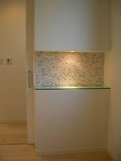 (ホール ニッチ)強化透明ガラス12ミリ W928×D240オシャレな玄関正面のニッチになりましたね。