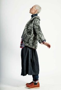 A look from Engineered Garments FWK Fall/Winter The layering is always so brilliant. Love the whole thing from top to bottom. Mature Fashion, Older Women Fashion, Womens Fashion, Looks Style, My Style, Beautiful Old Woman, Engineered Garments, Advanced Style, Style And Grace