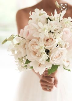 Bridal Bouquet | Wedding Flowers | White Wedding