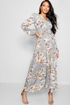 8c7d628c901 Click here to find out about the Woven Floral Blouson Sleeve Maxi Dress from  Boohoo