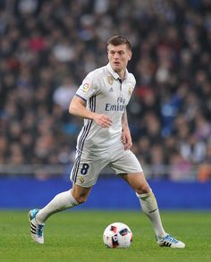 ae366b7ea42 Part of the midfield 3 is Real Madrid s number 8 and German international  Toni Kroos wearing his old-fashioned adidas Adipure boots.