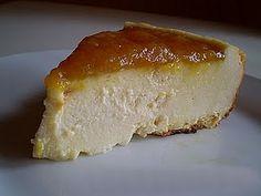 Tarta de queso horneada. 250gr de queso batido (media tarrina), 2 yogures (yo lo pongo natural pero se puede de cualquier sabor),  2 huevos (1 huevo + 1 clara tb sale), 100ml de leche desnatada, 2cs de maicena, 1cc de vainilla(opcional), 2cs de edulcorante liquido