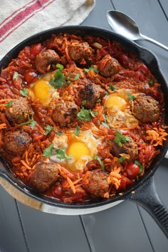 chorizo skillet results - ImageSearch Healthy Treats, Healthy Recipes, Healthy Food, Natural Born Feeder, Beef Chorizo, Clean Eating, Healthy Eating, Gym Food, Vegan Options