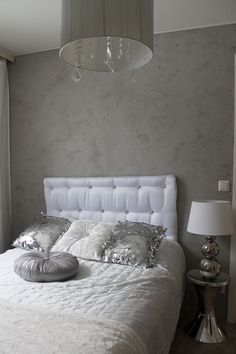 Headboard seems selfmade, could have done better but the idea is nice :) Headboards, Sweet Dreams, Master Bedroom, Sweet Home, New Homes, Couch, Nice, Grey, Inspiration