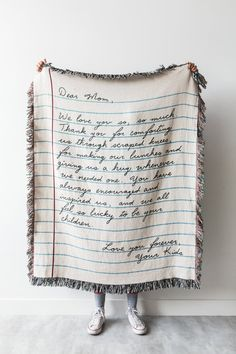 Mom Gifts Discover Love Letter Blanket: Personalized Fathers Day Gift Woven Throw for Mom Dad Grandparents Wedding Graduation or Anniversary Present Love Letter Blanket: Personalized Mothers Day Gift Woven Sentimental Gifts For Mom, Diy Gifts For Mom, Christmas Present Ideas For Mom, Present For Mom, Simple Gifts, Dad Gifts, Diy Mother's Day Photo Gifts, Homemade Gifts, Christmas Presents For Moms