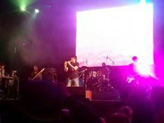Lucho Quequezana aperturando el festival musical.