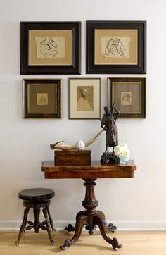 How To Plan & Hang a Wall Gallery,Different frame styles all together Frames are decorative accessories that surround the moments you immortalize. Decoration Inspiration, Home Decor Inspiration, Decor Ideas, Home Decor Accessories, Decorative Accessories, Flur Design, Estilo Interior, Wall Decor, Room Decor