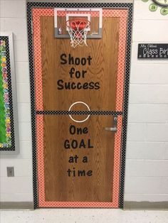 27 All-Star Ideas for a Sports-Themed Classroom 27 Great Ideas for a Sports Classroom Theme - WeAreTeachers Source by . Math Classroom Decorations, Sports Theme Classroom, Classroom Games, New Classroom, Classroom Ideas, Thanksgiving Classroom Door, Teacher Door Decorations, Basketball Decorations, Basketball Party