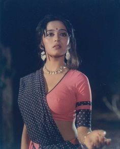 Most Beautiful Bollywood Actress, Indian Bollywood Actress, Bollywood Actress Hot Photos, Indian Actress Hot Pics, Bollywood Girls, Indian Actresses, Bollywood Saree, Bollywood Fashion, Madhuri Dixit Hot