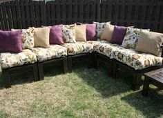 diy home outdoor projects Outdoor Sectional Patio Furniture Architecture Decorating Ideas pictures Do It Yourself Furniture, Diy Furniture, Outdoor Furniture, Outdoor Decor, Outdoor Seating, Outdoor Paint, Backyard Furniture, Furniture Design, Pallet Seating