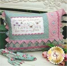 The Rivendale Collection - Daughter: This charming pattern is a part of The Rivendale Collection by Sally Giblin. Pattern includes instructions for stitchery, instructions for appliqué, and instructions for cushion. Finished size is 15 Handmade Pillows, Decorative Pillows, Quilting Projects, Sewing Projects, Shabby Fabrics, Sewing Pillows, Quilted Pillow, How To Make Pillows, Pin Cushions