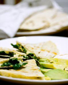 La Cucinetta: Quesadillas de espinafre solitárias porque educar criança não é só ensinar a comer escarola