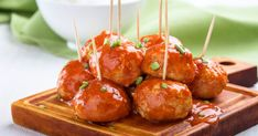 Jamaican Jerk Meatballs in the Air Fryer. A delicious taste of Jamaica with homemade Jamaican Jerk Meatballs. Throw all the Jamaican Jerk Meatball ingredients in a bowl, mix well and cook your yummy homemade jerk meatballs in the air fryer. Asian Turkey Meatballs, Chicken Meatballs, Meatballs 2, Blender Recipes, Cooking Recipes, Taco Appetizers, Jamaican Chicken, Homemade Bruschetta, Traditional French Recipes