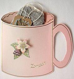 Theezakje met thee cadeau geven in wenskaart