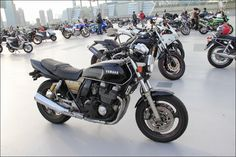 2014 Street motorcycle in Japan- YAMAHA XJR400 - ROADRIDER JAPAN