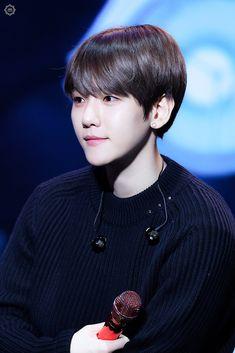 181102 Baekhyun Comeback Showcase 슈띵🏍𝘿𝙤𝙣'𝙩 𝙢𝙚𝙨𝙨 𝙪𝙥 𝙢𝙮 𝙩𝙚𝙢𝙥𝙤 ( Baekhyun, Exo Ot12, Chanbaek, Kim Minseok, Exo Members, Most Beautiful Man, Musical, Pop Group, Cute Boys