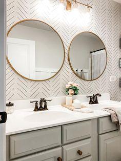 Teen Bathrooms, Guest Bathrooms, Upstairs Bathrooms, Bathroom Kids, Master Bathroom, Girl Bathroom Ideas, Teen Bathroom Decor, Modern Bathroom, Bathroom Small