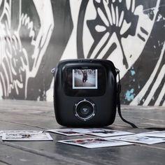 Met de digitale instax square kan je je foto's meteen afdrukken, ze eerst bewerken óf bewaren voor later 📸 #followyourinstax #instaxsquare Fujifilm Polaroid