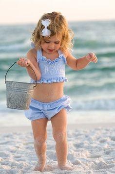 ♔ A pail of fun Fashion Kids, Baby Kind, Baby Love, Beautiful Children, Beautiful Babies, Beautiful Beach, Cute Kids, Cute Babies, Beach Babies